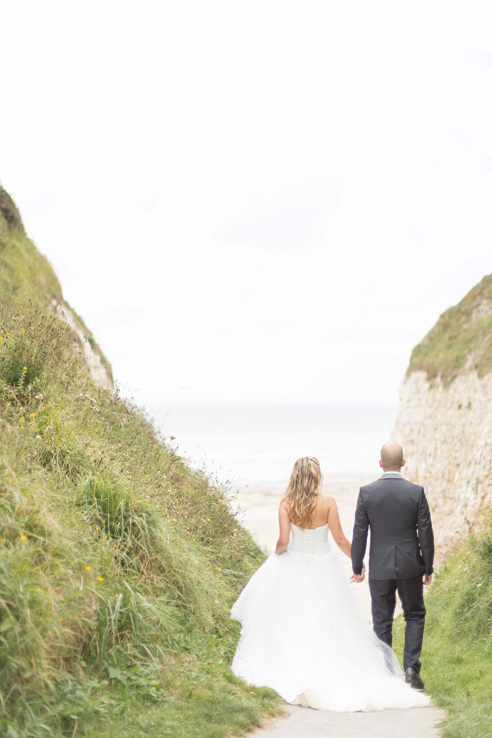 mariage sur la plage de varengeville sur mer. falaise de vasterival