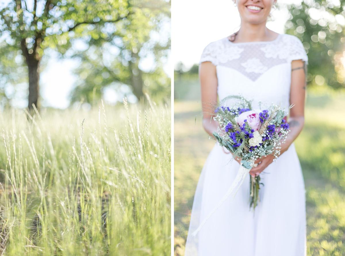 Diptyque de la mariée tenant son bouquet champêtre et de la végétation des vergés