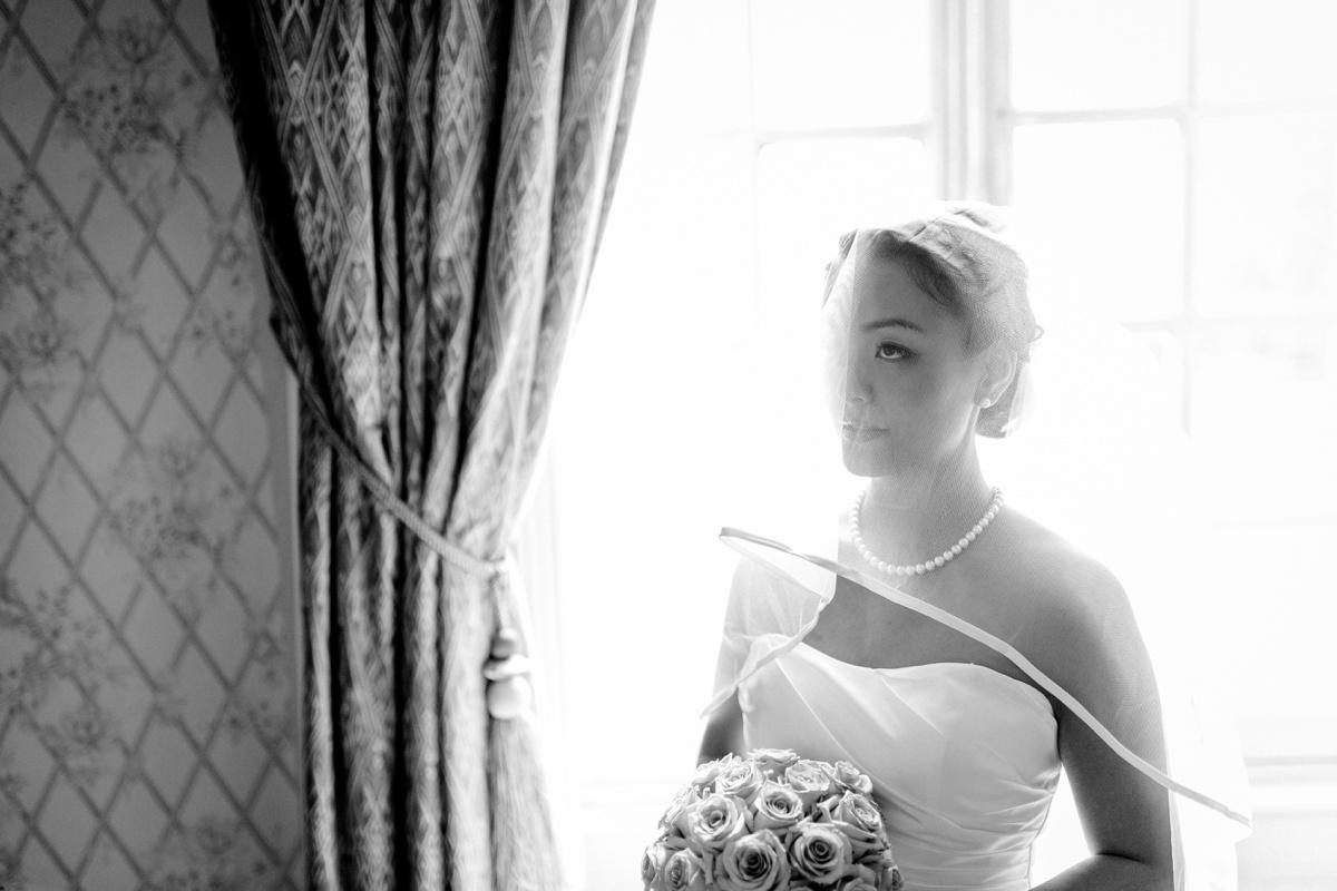 Portrait mariée voile N&B
