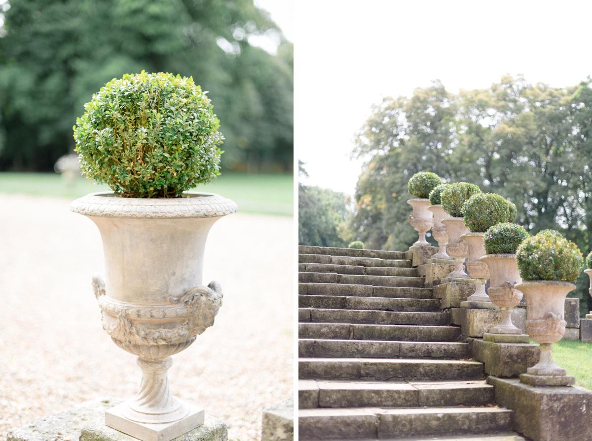 Escaliers vases pierre château