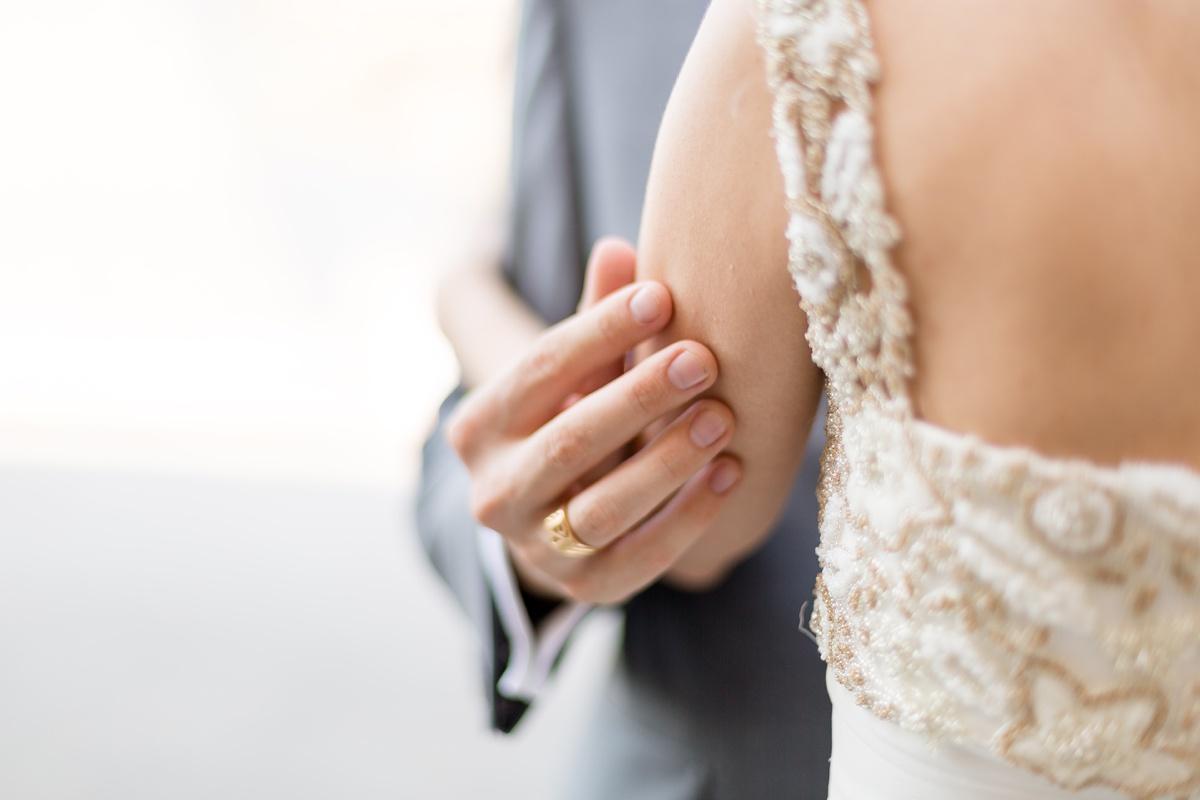 Caresse amoureux époux - Donne-moi ta main
