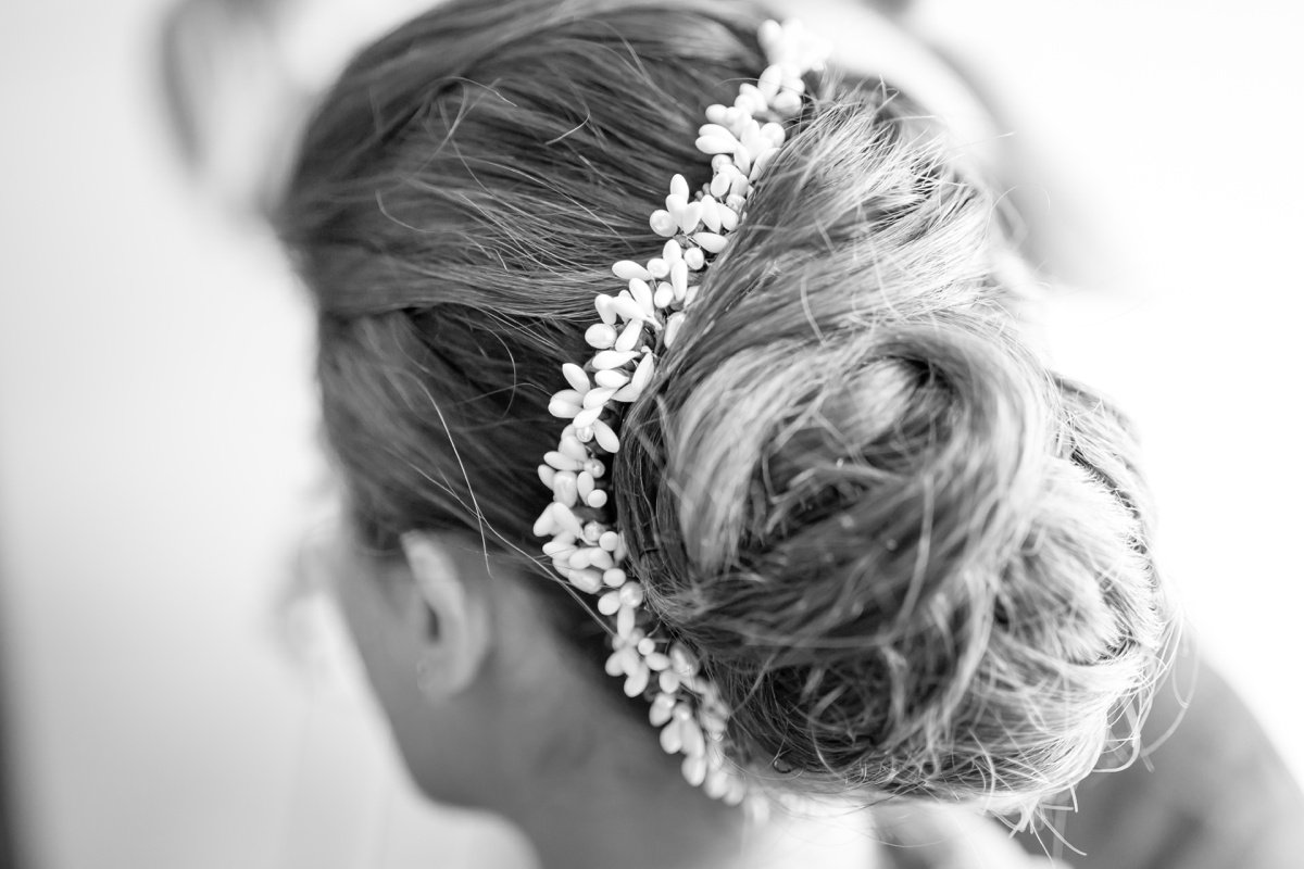 coiffure mariage perles blanches