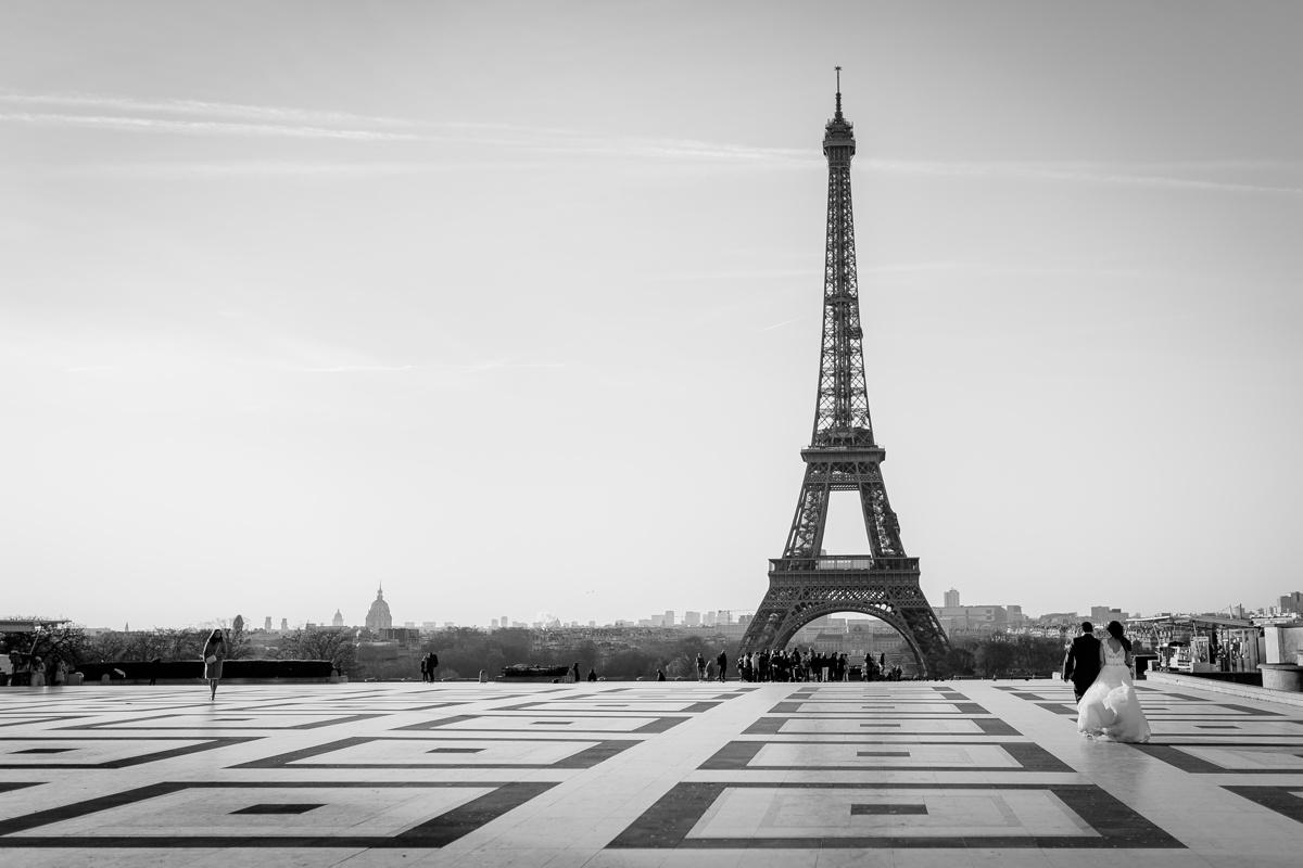 Tour Eiffel place du Trocadero Paris France photographie noir et blanc